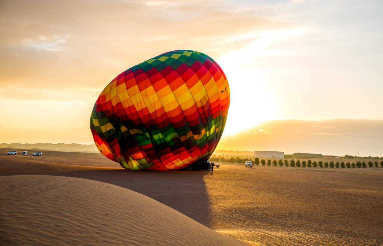 hot air balloon tour dubai