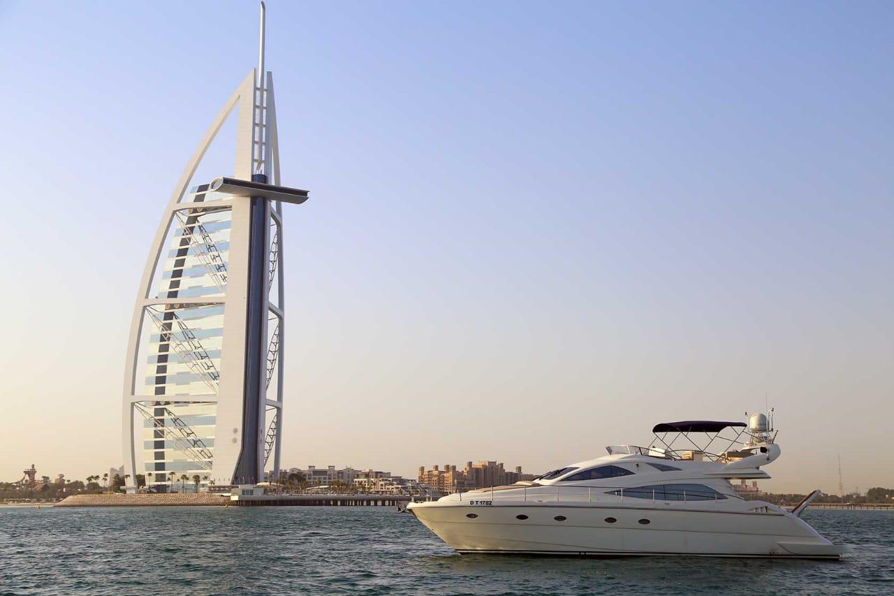 50ft yacht rental in dubai