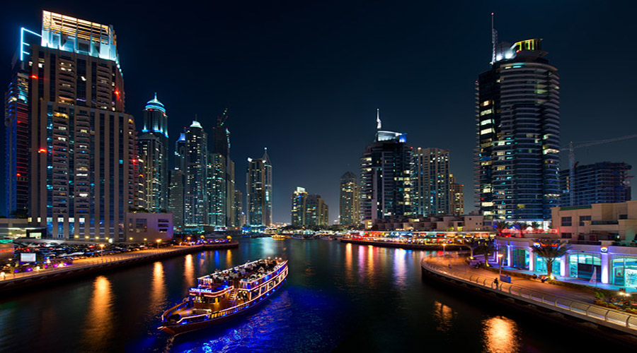 dhow dinner cruise in dubai marina with pickup