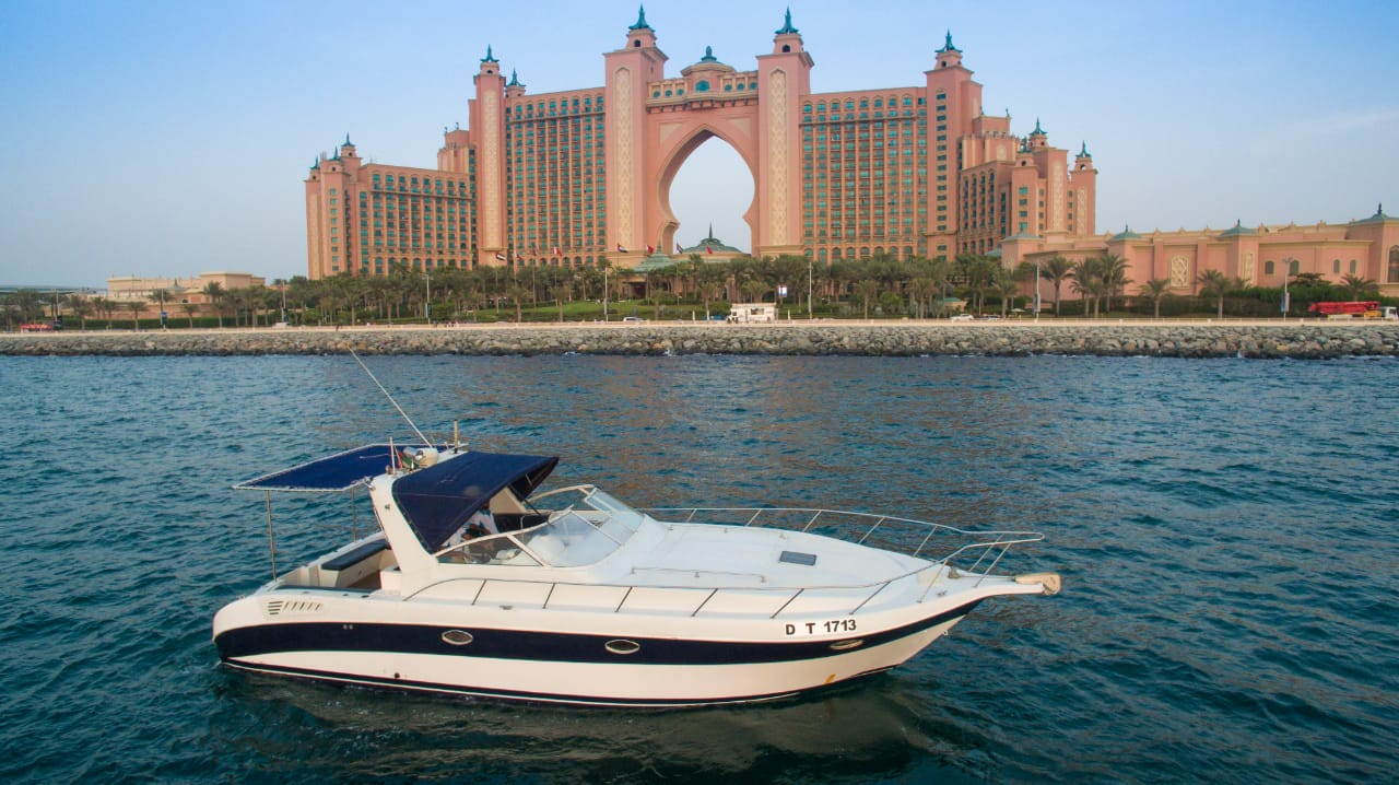 35ft yacht rental in dubai