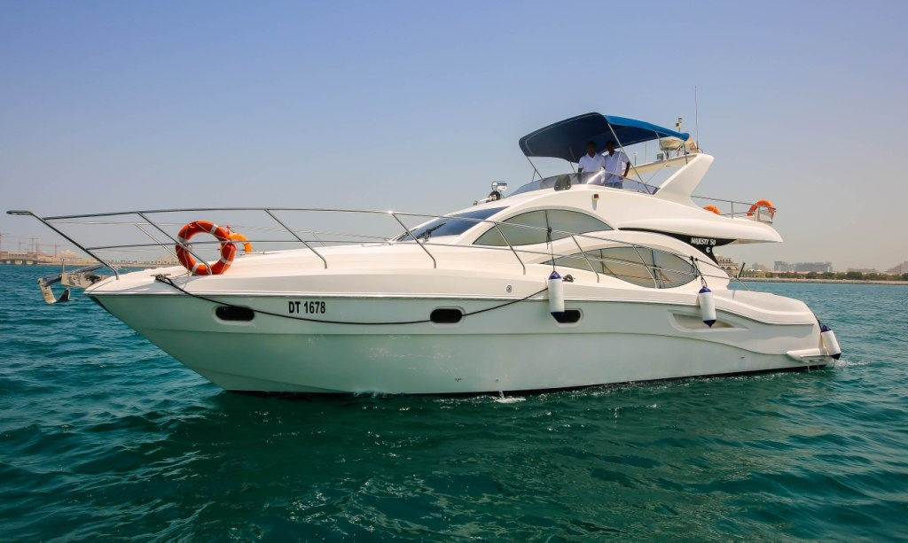 50ft yacht rental in dubai